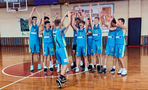 Savaitgalį turnyruose jėgas išmėgino trys Tornado krepšinio mokyklos komandos
